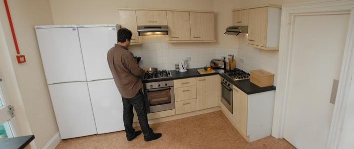 Picture of the kitchen at this Plymouth student house